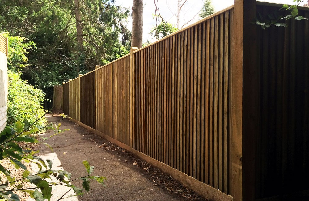 closeboard-fencing-with-capping-5