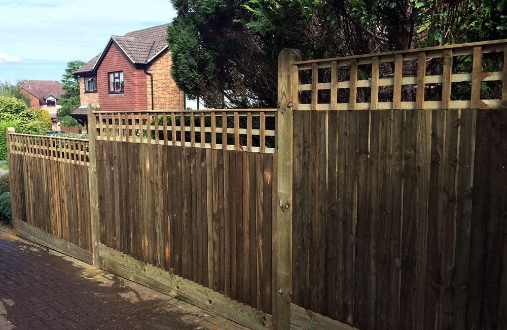 closeboard-fencing-with-trellis-3