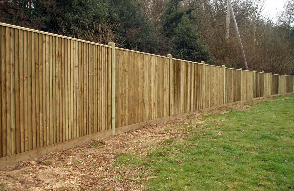 closeboard-fencing-with-capping-6