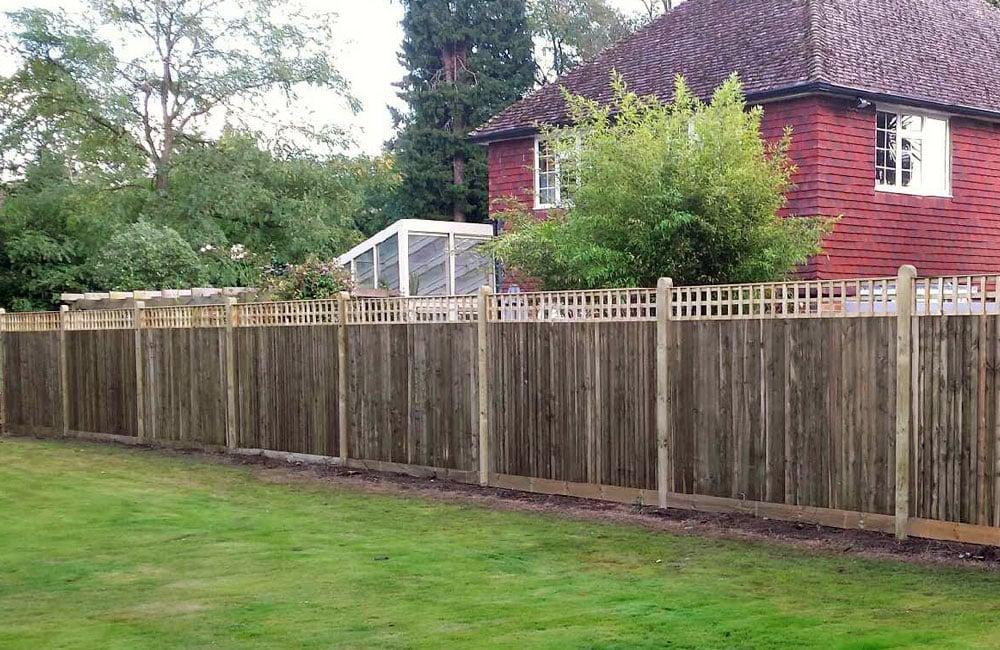 closeboard-fencing-with-trellis-5
