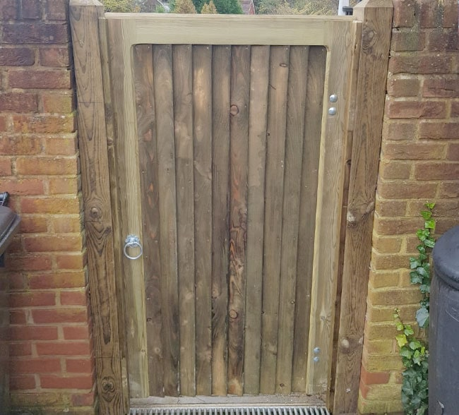 heavy-frame-closeboard-gates-kent