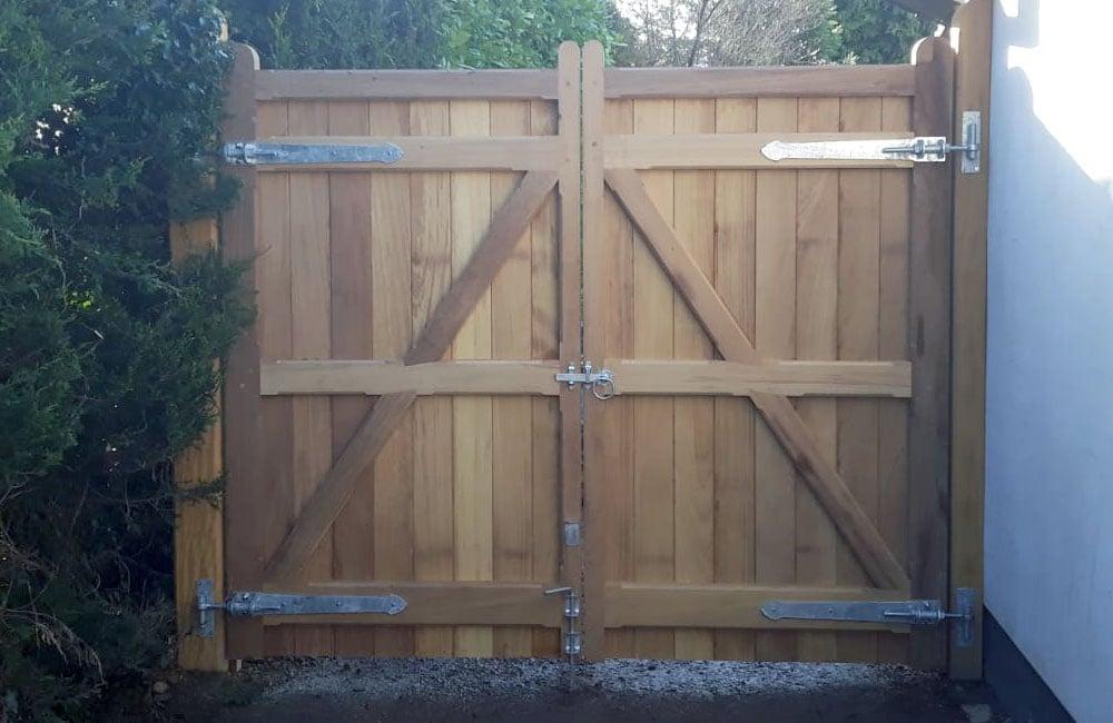 heavy-frame-wimborne-gate-3