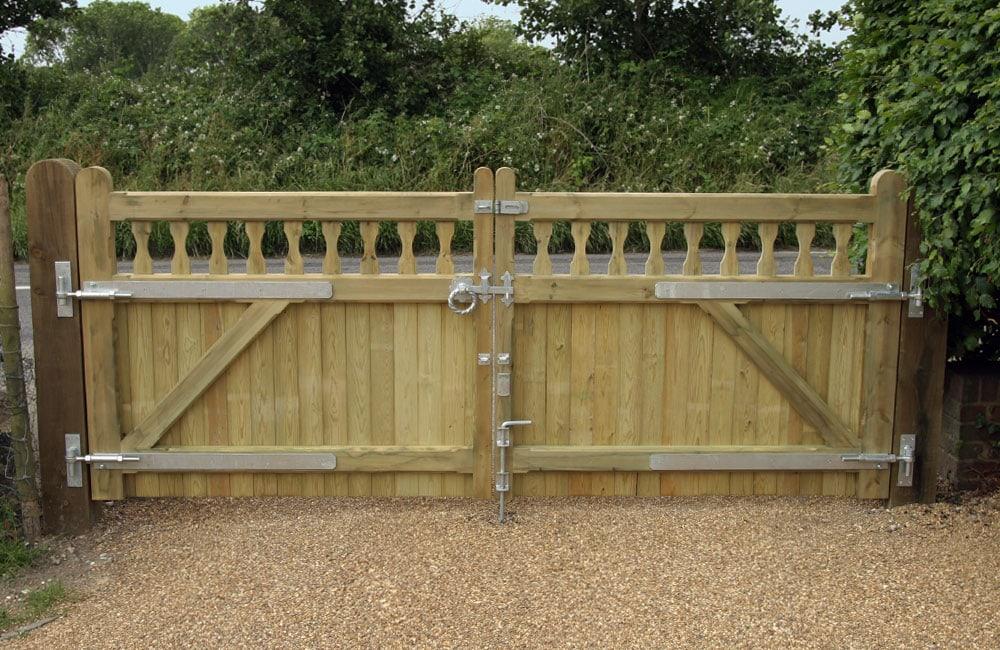 heavy-frame-windsor-gate-1