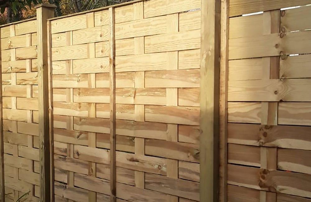 interwoven-panels-fencing-2