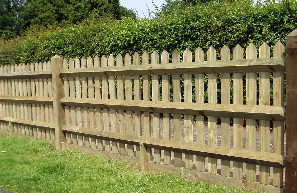 pointed-top-palisade-fencing-1