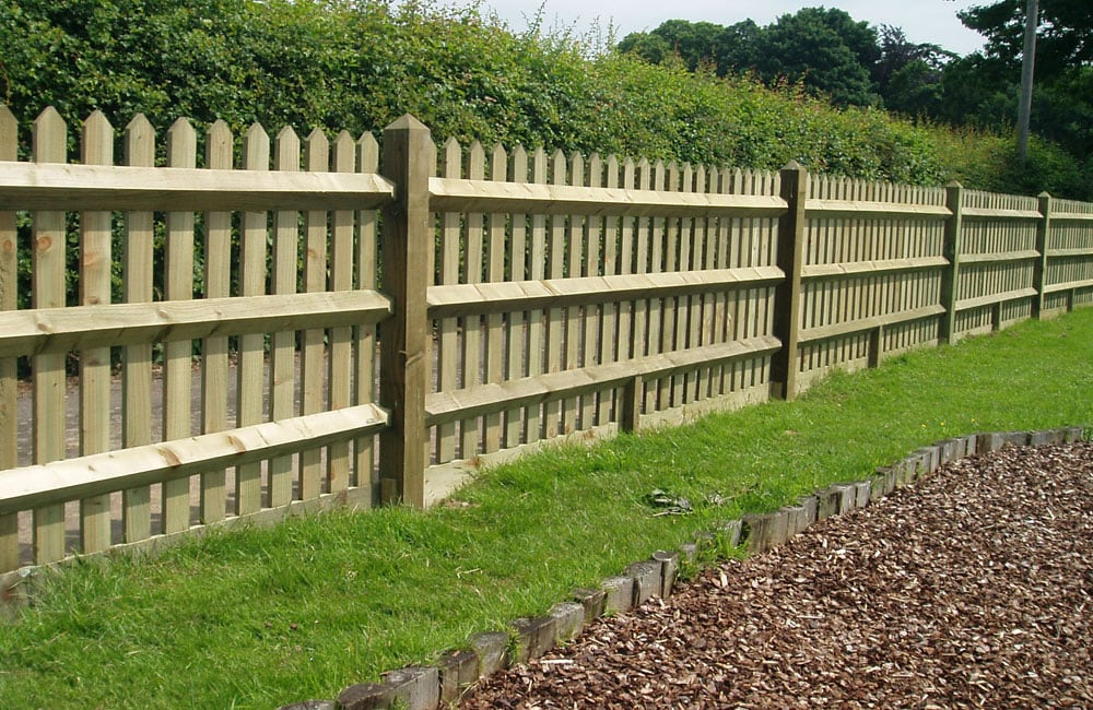 pointed-top-palisade-fencing-2