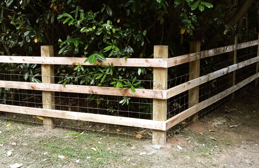 sawn-post-and-rail-fencing-1