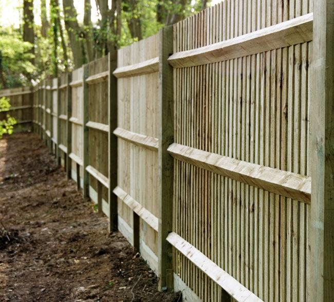 standard-closeboard-fencing-kent