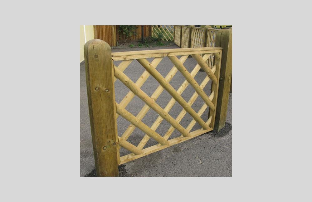 half-round-framed-trellis-panels-kent-1