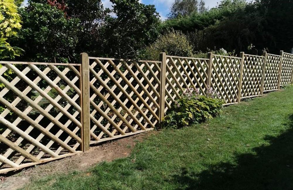 half-round-framed-trellis-panels-kent-3