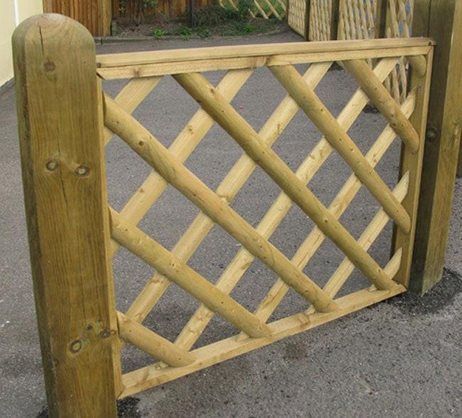 half-round-framed-trellis-panels-kent