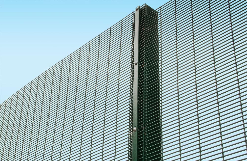 mesh-security-fencing-358-1