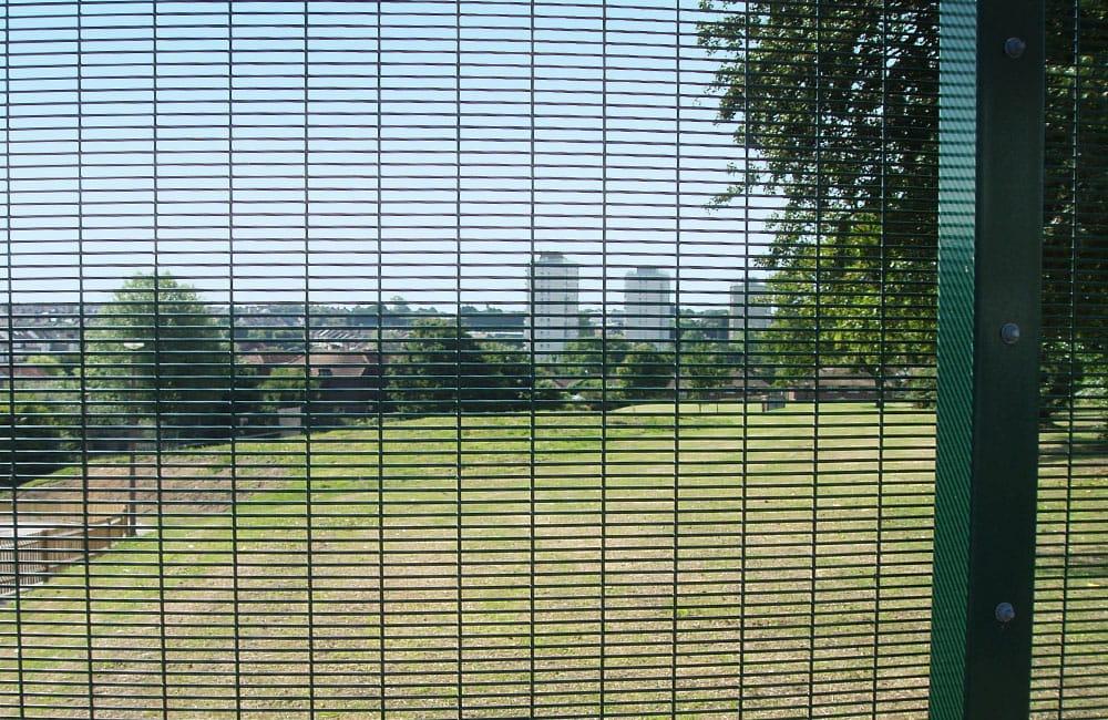 mesh-security-fencing-358-4