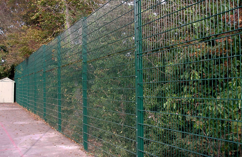 mesh-security-fencing-868-1