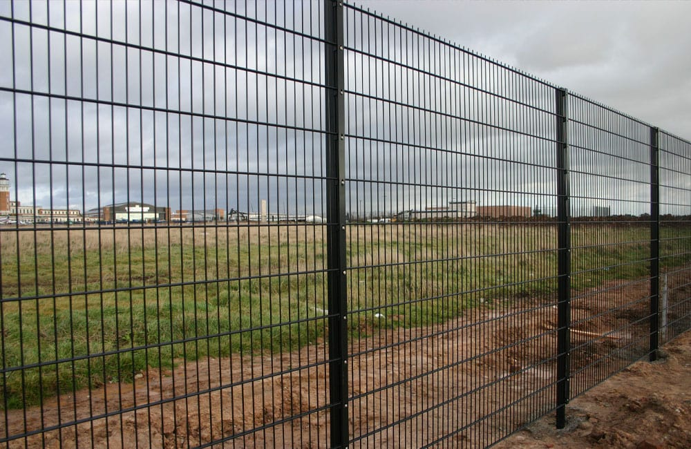 mesh-security-fencing-868-2