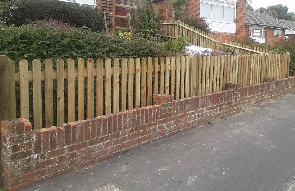 round-top-palisade-fencing-5