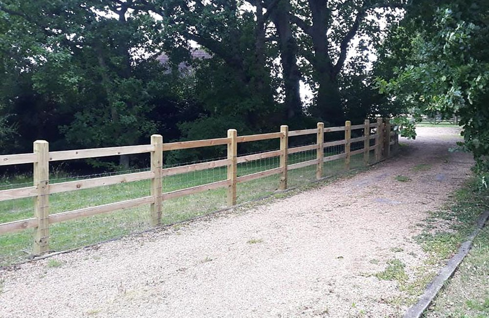 sawn-post-and-rail-fencing-4