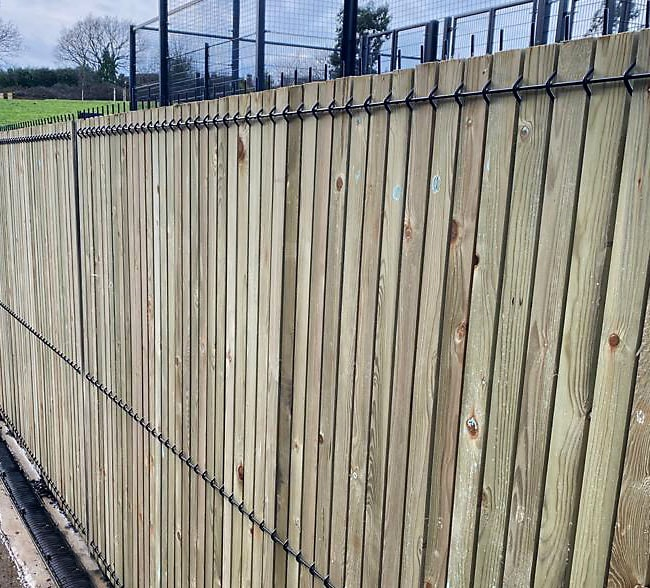 single-wire-crimp-mesh-timber-infill-south-east