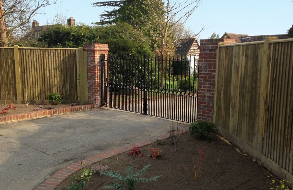 tate-tonbridge-fencing-about-2