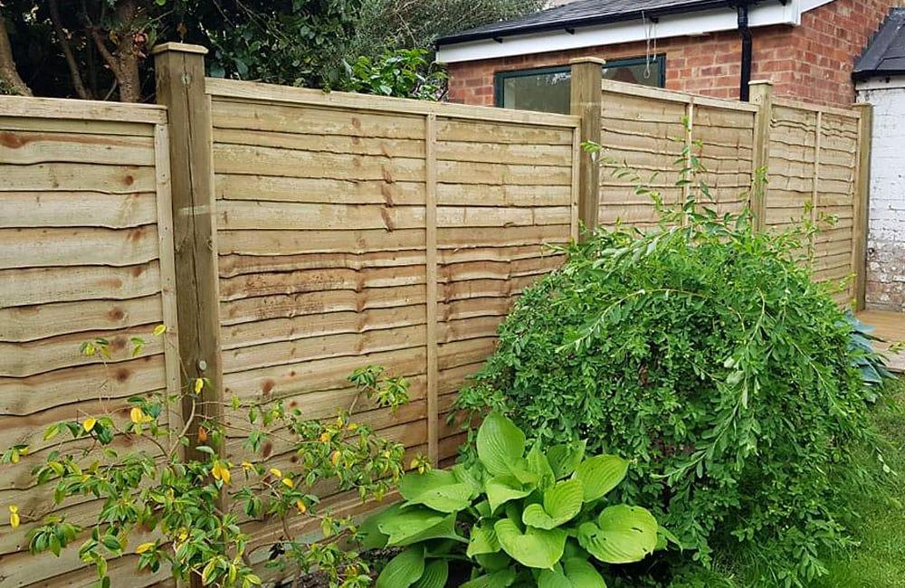 waney-edge-panels-fencing-5