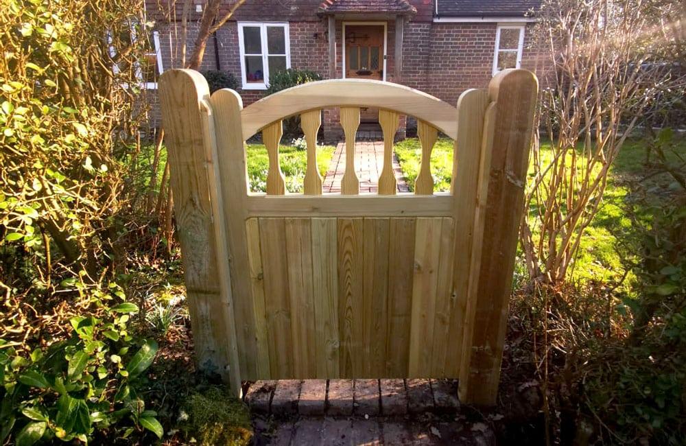 standard-frame-windsor-gate-4